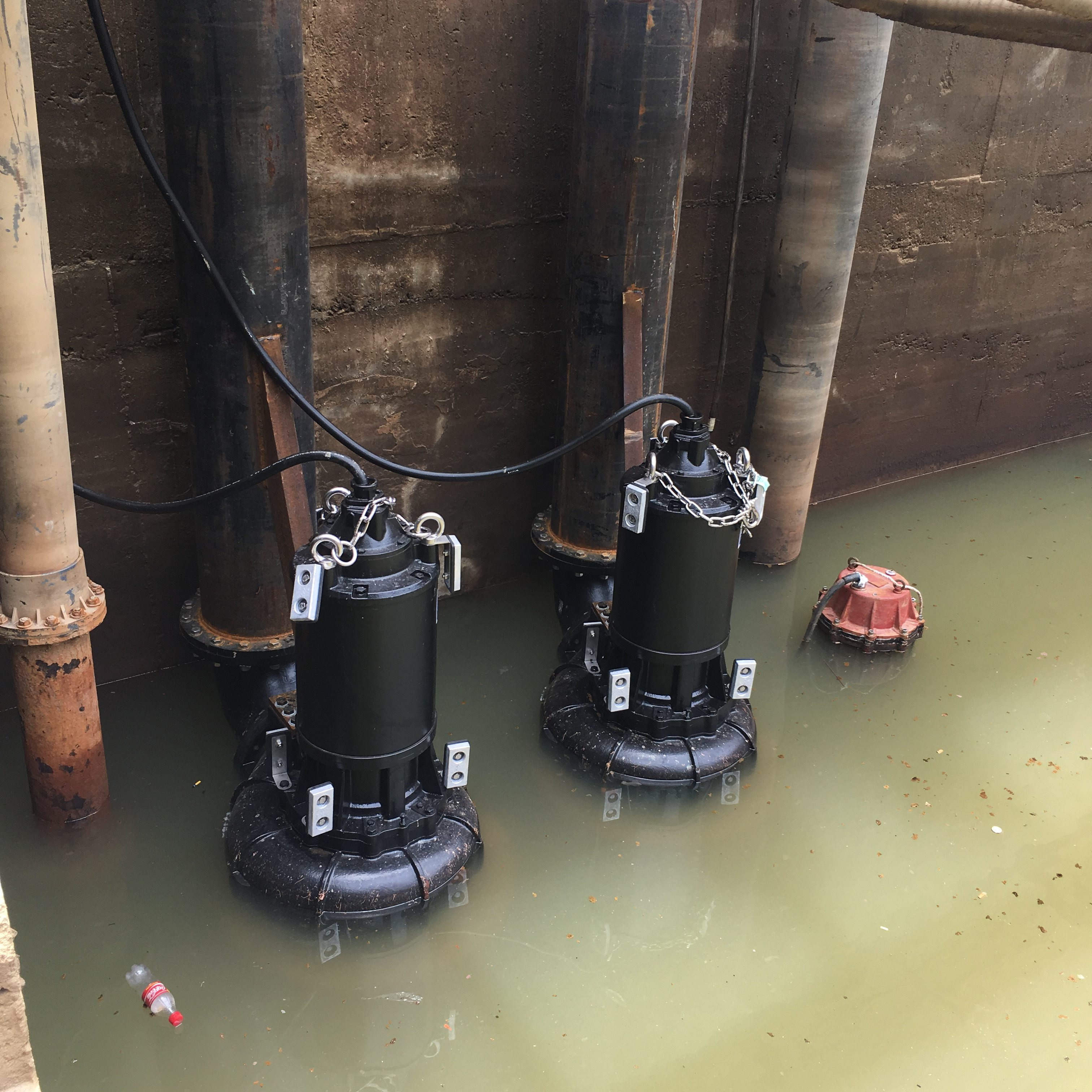 Installation of AF-1660 (45kW) HCP Submersible Pump in shipping yard.